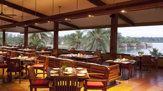 Holiday Inn Resort Vanuatu: Restaurant