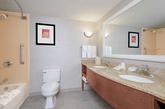 Hilton Garden Inn Independence: Suite
