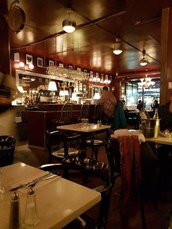 Les Tontons Flingueurs Brasserie, Montreal - Parc du Mont-Royal ...