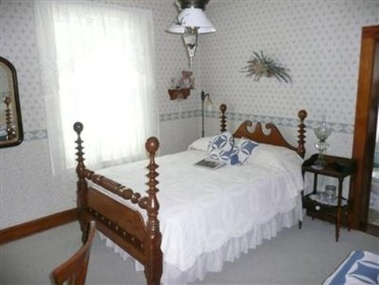 Maquoketa, IA: Guest room