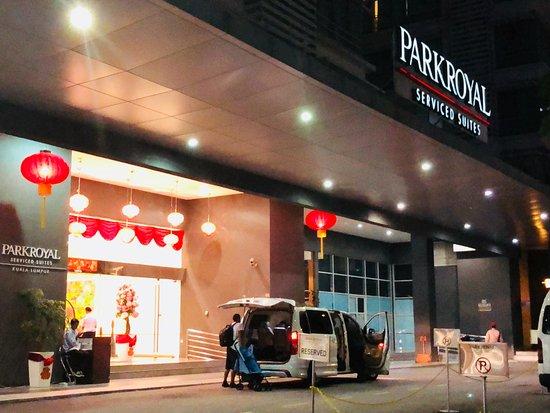 PARKROYAL Serviced Suites Kuala Lumpur: Hotel Entrance