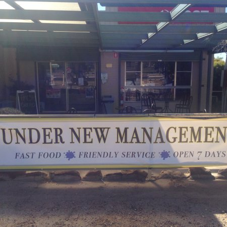 Yeoval, Australien: Under new management and open 7 days a week