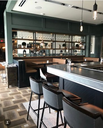 Pascal's Chophouse: Bar