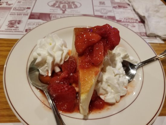 Terryville, CT: Cheesecake and Strawberries
