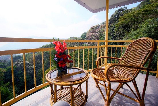 The Cliff Resort,Munnar