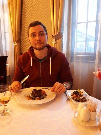 Hotel Bankov: отличный стейк!