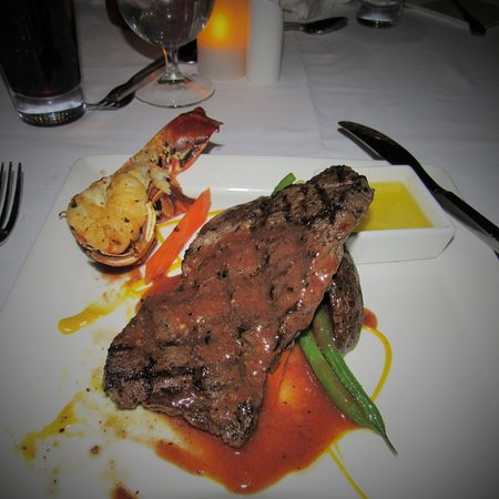 Boscobel, Jamaica: Surf and Turf at Neptunes