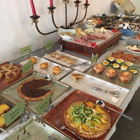 Corte Di Gabriela: Breakfast buffet