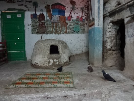 Valle de los Reyes: 石造りの住居、食用のハトを飼っています。