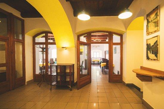 Louny, Tjeckien: vstupní hala