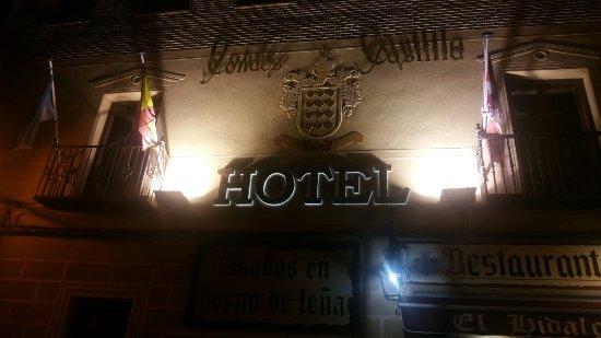 Hotel Condes de Castilla: 20180216_194022_large.jpg