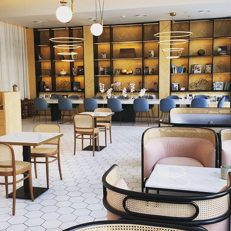 Picture of parlour boutique dubai tripadvisor for Boutique one dubai