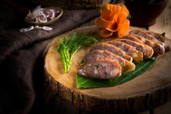 Sai Oua Kwai - Luang Prabang buffalo sausage with tamarind sauce
