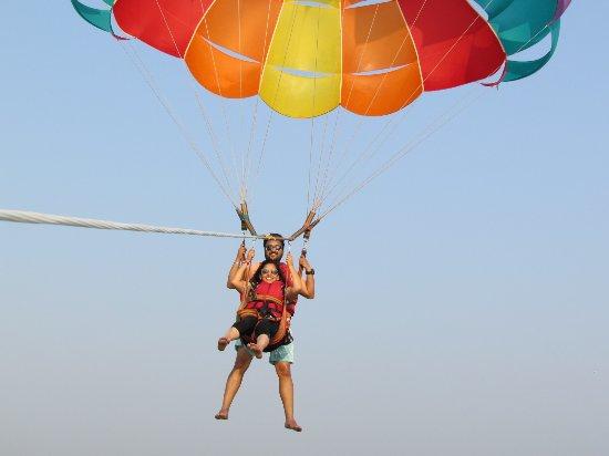 سينكيوريم, الهند: Paragliding