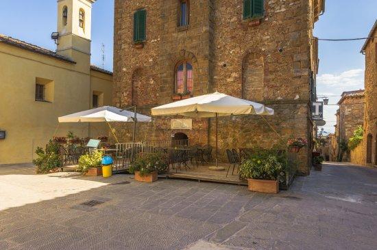 Castelmuzio, Italy: Esterno del ristorante
