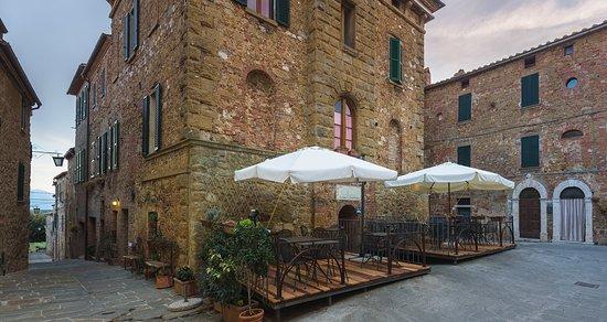 Castelmuzio, Italy: esterno