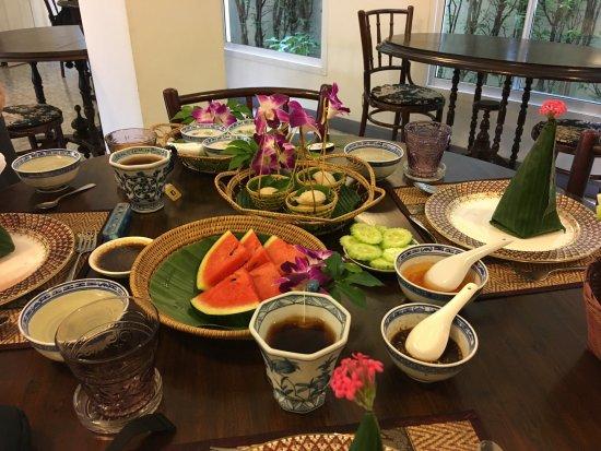 SSIP Boutique Dhevej Bangkok: Petit déjeuner traditionnel Thaï