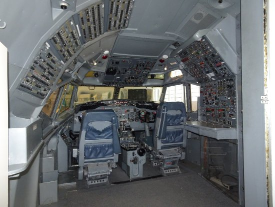 Future of Flight Aviation Center & Boeing Tour: A cockpit (yes you can get in)
