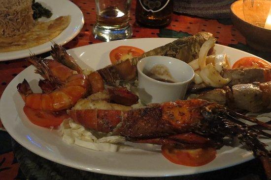 Monsoon Restaurant: seafood platter