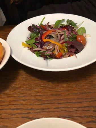 Dores Inn : Specially made salad for vegan