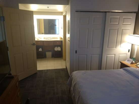 Homewood Suites by Hilton Phoenix-Metro Center Image