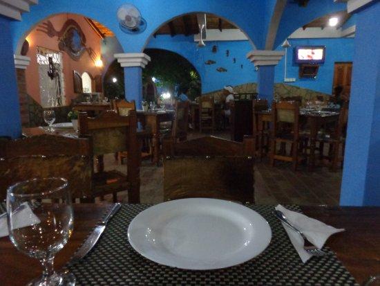 Trinidad Food Guide: 5 Must-Eat Restaurants & Street Food Stalls in Trinidad