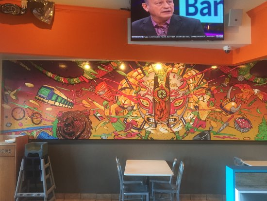 West Saint Paul, MN: Mural and some of the tables