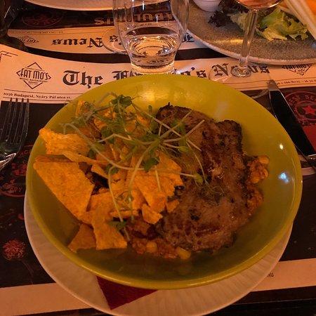 Fat Mo's Restaurant & Music Pub: photo1.jpg