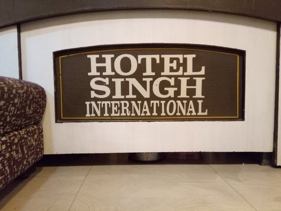 Hotel Singh International : Wonderful place & in CIVIC center. Staffs are very friendly and even do extra mile for GUESTS
