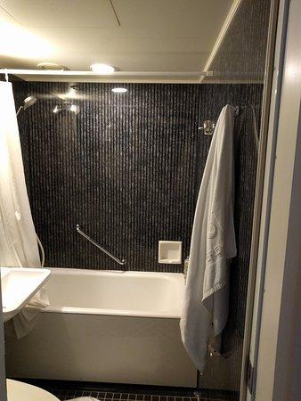 Hotel Monterey Ginza : Badeværelset på hver værelse