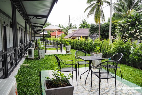 Balcony - Picture of OYO 500 Cordelia Resort Samroiyod, Sam Roi Yot - Tripadvisor
