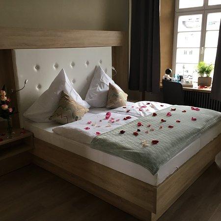 Arnsberg, Tyskland: Sehr moderne eingerichtete Zimmer.  Außerordentlich gutes Frühstück.