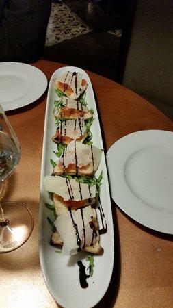 Illingen, Alemania: Eine Bruscetta mit echtem Parmesan als Vorspeise