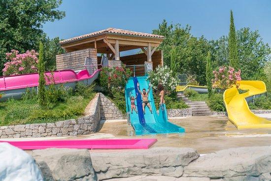 Sampzon, France: Espace aquatique - Quartier les Jardins