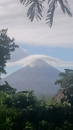 Balgue, Nicaragua: Face au volcan Concepcion