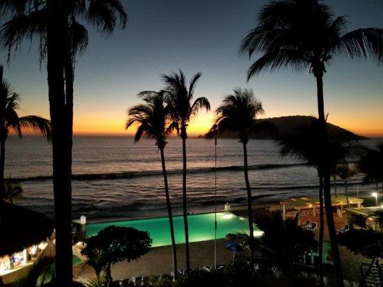 The Palms Resort Of Mazatlan: Balcony view at sunset