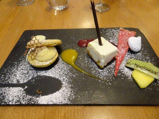Arnas, France : Une arandole de desserts, quand on ne sait pas choiir !