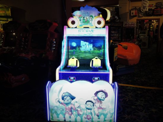 Long Beach, WA: Play Ice Man! Blast the zombies with the water cannons! Open 10-10 or later every day. #Funlandl