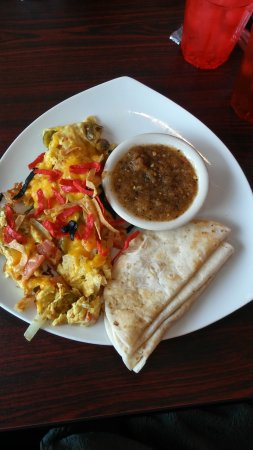 Sachse, TX: Migas served with amazing salsa and 3 tortillas