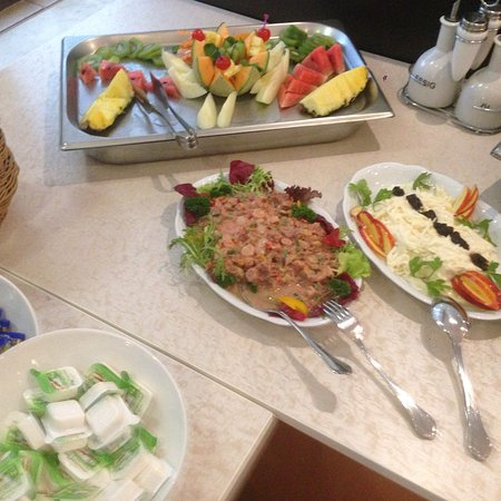 Moselkern, Alemania: Het ontbijt elke morgen iets anders