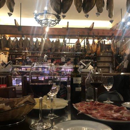 Restaurante jamoneria la leonesa en a coru a con cocina - Cocinas en coruna ...