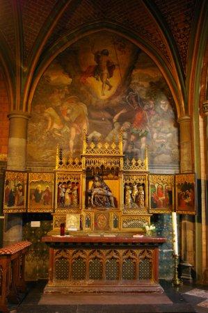 Eglise St-Jacques: L'autel