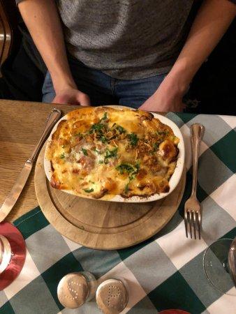 Kartoffel Keller Lubeck : Curry wurst in potato gratin