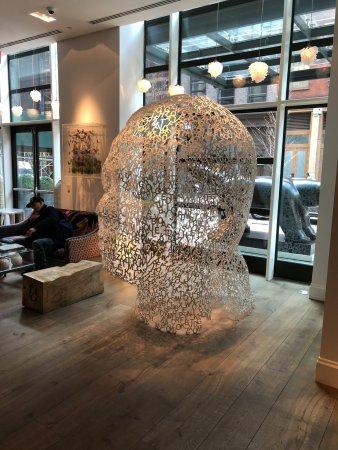 Crosby Street Hotel: Cool Lobby Art
