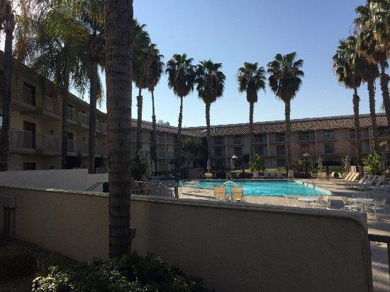 DoubleTree by Hilton Bakersfield: IMG_2187_large.jpg