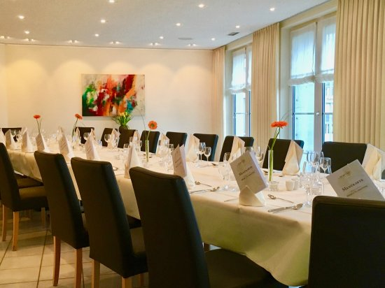 Restaurant Ambiente Tischdekoration Geburtstag Picture Of Le