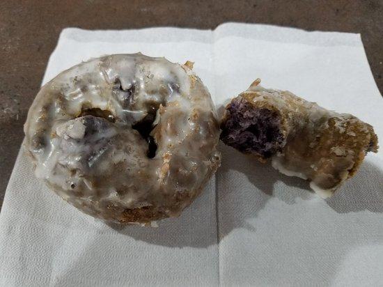 Chalmette, LA: Famous blueberry cake donut