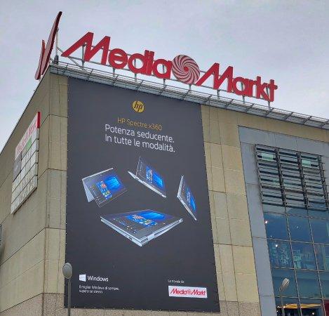 Il negozio Media Markt di Sant'Antonino ove ho avuto problemi d'acquisto.
