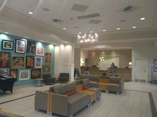 Holiday Inn Anaheim-Resort Area: Lobby