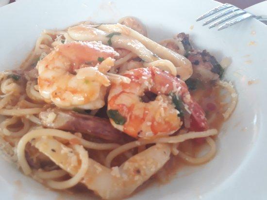 Sempre que vou ao Rio passo no Rondinella para almoçar, e meu prato preferido é espaguete com fr